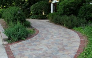 Using pavers, Greenwise created a beautiful and functional driveway for a Northshore client