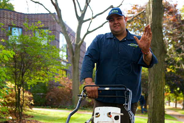 Greenwise Low-Emission Lawn Service