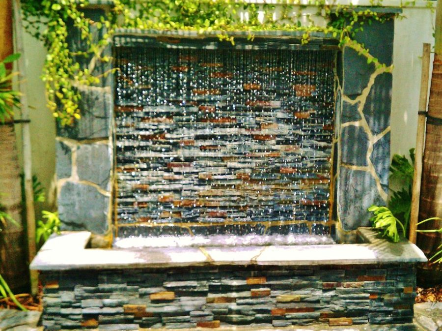Landscape Water Features. Water Wall